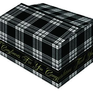 Golfkartonnen kerstdoos met zwart-wit bedrukt Schots ruitmotief en gouden letters